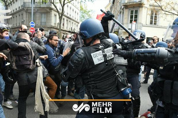 فرانسیسی پولیس کا مظاہرین پر بہیمانہ تشدد