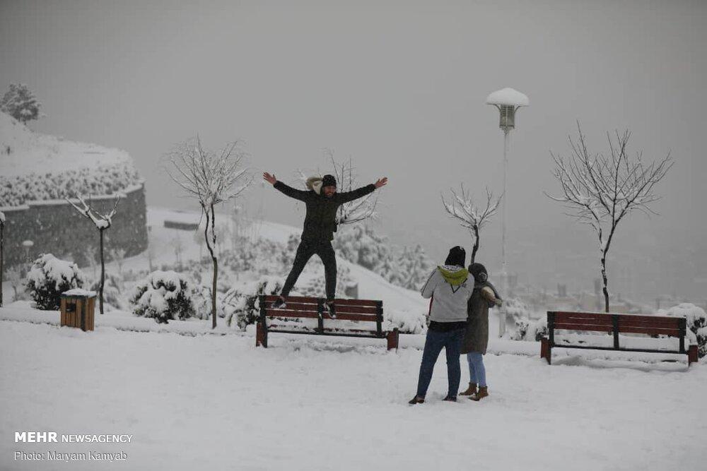 هطول الثلوج في العاصمة الايرانية