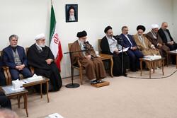 إستقبال قائد الثورة الاسلامية لمسؤولي شؤون الحج في ايران / صور