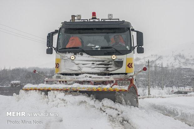۷۰ روستای شهرستان مرند در محاصره برف