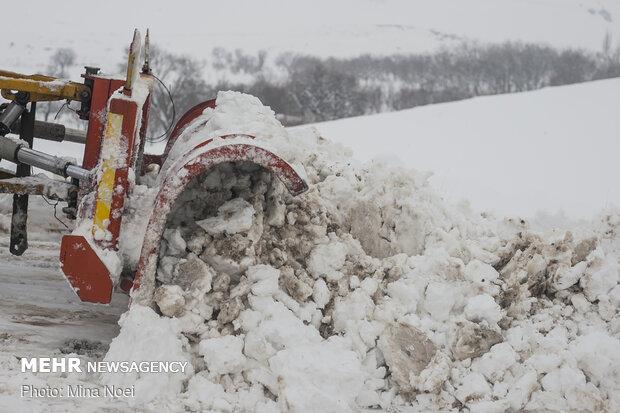 Road crew clearing snow in East Azerbaijan prov.