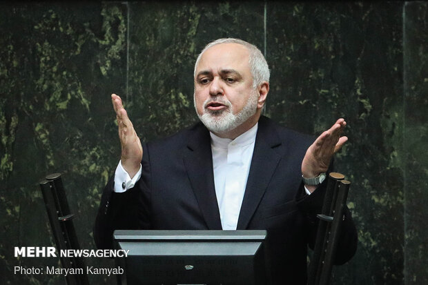Zarif attends Parl. session on Monday