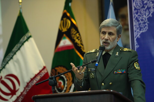 Iran, Iraq defense ministers discuss ways to boost bilateral coop.