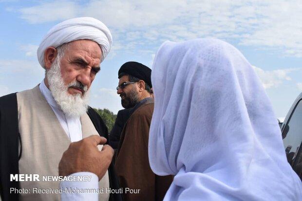 بازدید آیت الله عباسعلی سلیمانی نماینده مردم سیستان و بلوچستان در مجلس خبرگان رهبری از مناطق سیل زده زرآباد