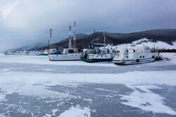 Donmuş Baykal Gölü'nden ilginç fotoğraflar