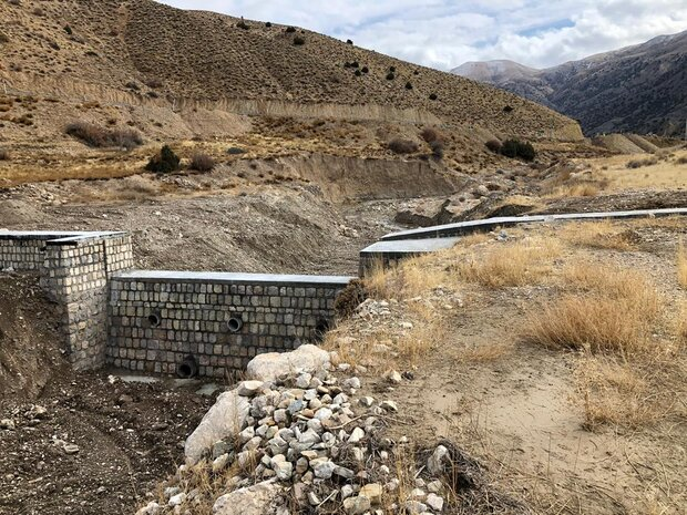 مدیریت ۱۰ میلیارد مترمکعب سیلاب با ایجاد طرح های آبخیزداری