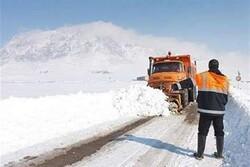 ۱۶ خودرو گرفتار در برف امدادرسانی شدند/بارش سنگین برف در دامغان