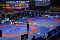İranlı güreşçiler Yeni Delhi'de 4 madalya kazandı