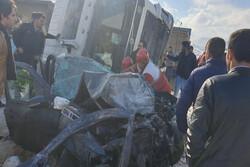 تصادف زنجیرهای در محور ازنا- اراک یک کشته و ۶ مصدوم به جای گذاشت