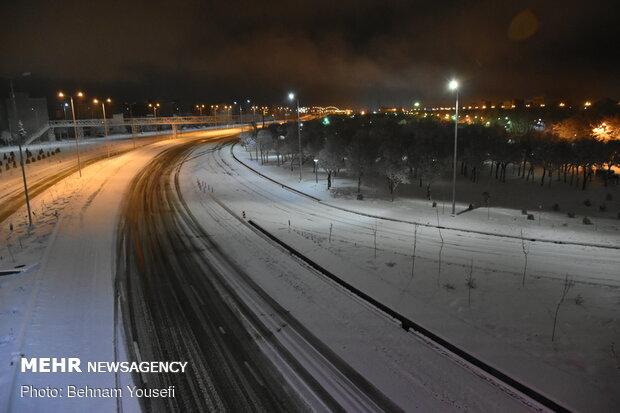 بارش شدید برف و کولاک در جاده تبریز- آذرشهر