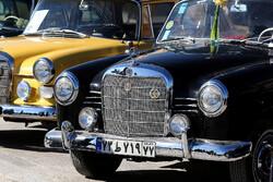معرض السيارات العتيقة في مدينة إصفهان / صور