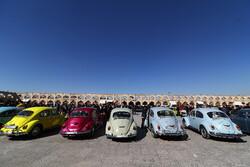 İsfahan kentinde klasik arabalar sergilendi