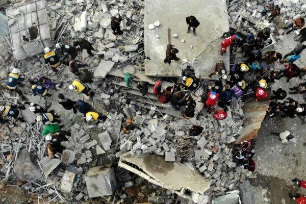 حمله شورشیان مسلح به نظامیان سوریه در ادلب/ دهها نظامی کشته شدند