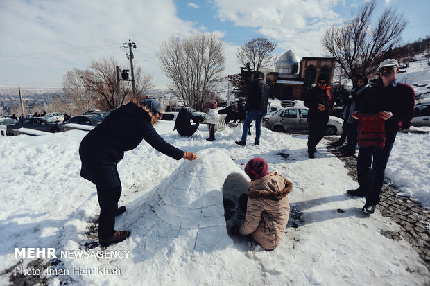 مسابقه ساخت آدم برفی در همدان