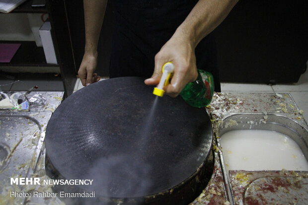 'Rehtah' or 'Rugag' bread, a special dish in southern Iran