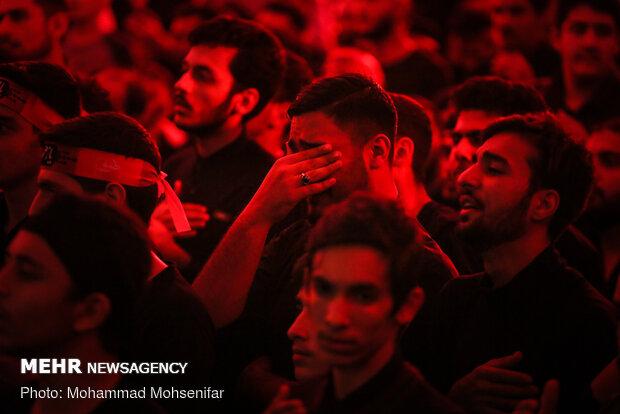 Tahran'da Şehit Süleymani için anma töreni