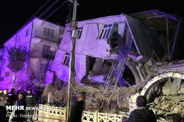 Türkiye'deki depremde hayatını kaybedenlerin sayısı yükseldi