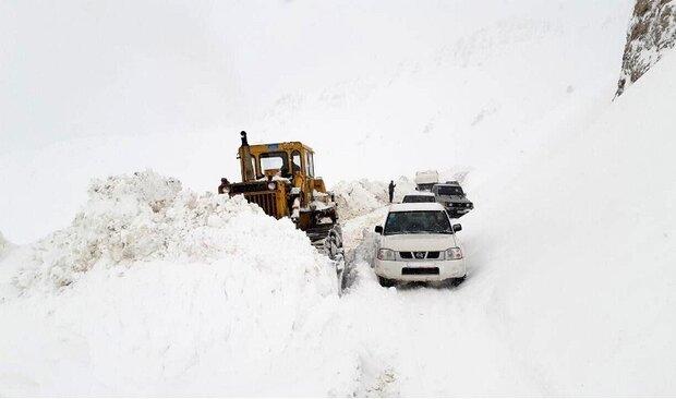 بارش برف و کولاک شدید ۶ جاده زنجان را مسدود کرد