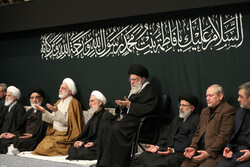 Leader hosts mourning ceremony for Hazrat Fatemeh