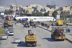 هواپیمای حادثهدیده کاسپین به فرودگاه ماهشهر منتقل شد/ بازگشایی محور ماهشهر - سربندر