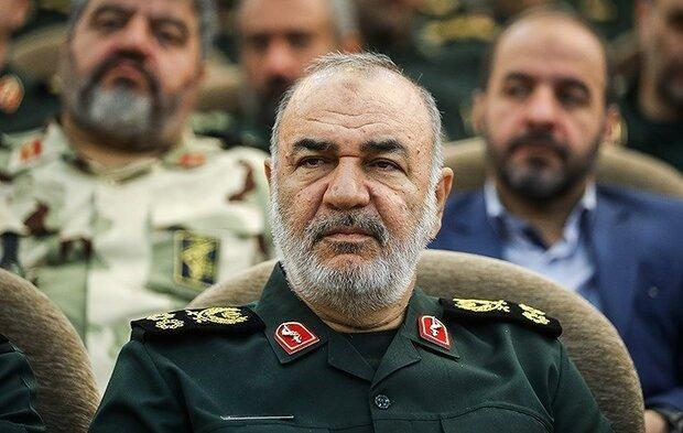 ایران کی ہتھیاروں کے سلسلے میں تیاری دشمن کے قوی اور کمزور نقاط کے پیش نظر جاری ہے