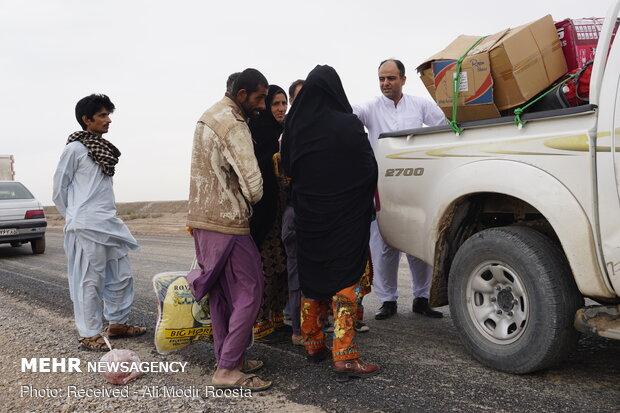 تامین و توزیع تانکر آب آشامیدنی در منطقه سیل زده دلگان
