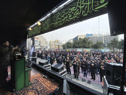 Tehraners mourn for martyrdom anniversary of Hazrat Fatemeh (PBUH)