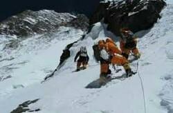 گروه کوهنوردی کارگری مازندران به بام ایران صعود میکند