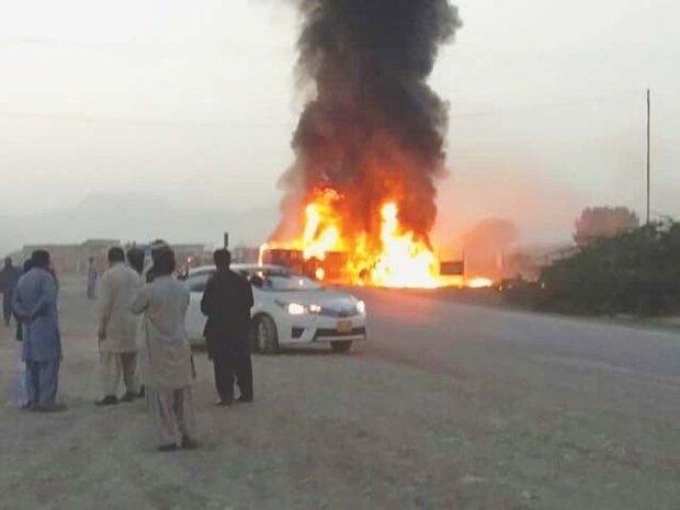 پاکستان میں مسافر ویگن میں آگ لگنے کے باعث 10 افراد ہلاک