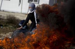 تنكيل جرافات الاحتلال بجثمان شهيد فلسطيني بطريقة بشعة