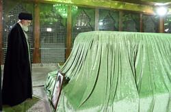 رہبر معظم کا حضرت امام خمینی (رہ) کے مزار پر حضور