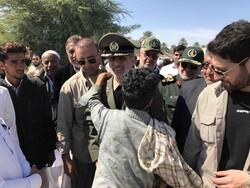 Defense min, visits flood-hit regions in Chabahar