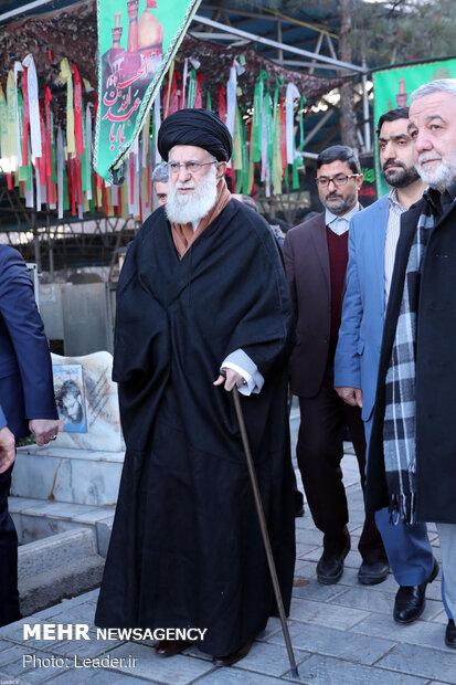 حضور رهبر انقلاب در مرقد مطهر امام خمینی(ره) و گلزار شهدا
