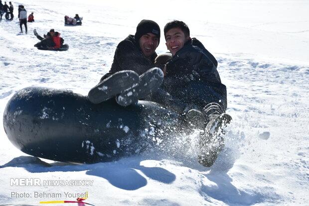 تفریحات زمستانی در پیست شهدای سربند