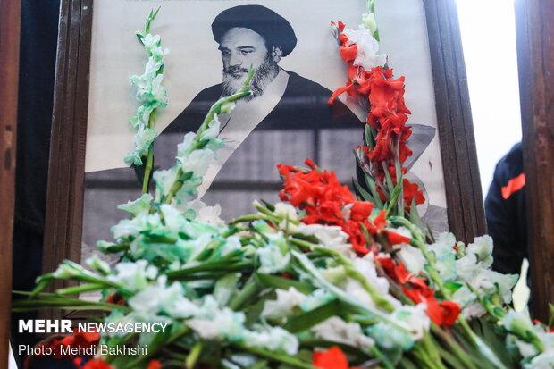 گلباران خانه تاریخی امام خمینی(ره) در قم