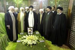 ایرانی عدلیہ کے سربراہ نے حضرت امام خمینی (رہ) کے مزار پر تجدید عہد کیا