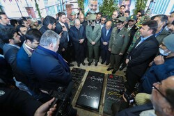 Defense minister pays tribute to Martyr Soleimani in Kerman