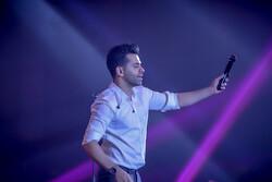 رضا بهرام در کیش کنسرت میدهد/ بلیت از ۱۲۰ تا ۲۵۰ هزار تومان