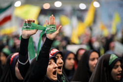 اجتماع ما يقارب 30 ألف طالب من عشاق الشهيد سليماني /صور