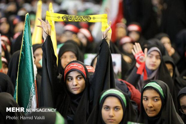 گردهمایی ۳۰ هزار نفری دانش آموزی «نسل سیلمانیها»