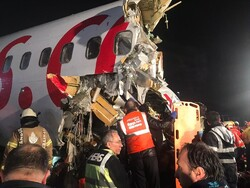 Türkiye'de pistten çıkan uçak kazasından fotoğraflar