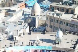 زخمی ۶۲ ساله در انتظار التیام/ امامزاده حسین(ع) همدان مهجور مانده است