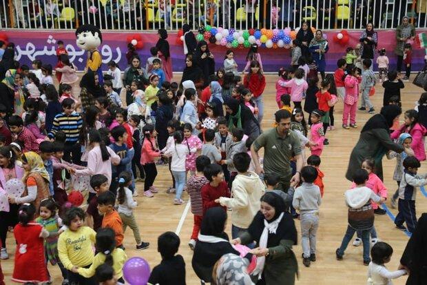همایش بزرگ ۲۰۰۰ نفری «خانواده و کودک» در بوشهر برگزار شد