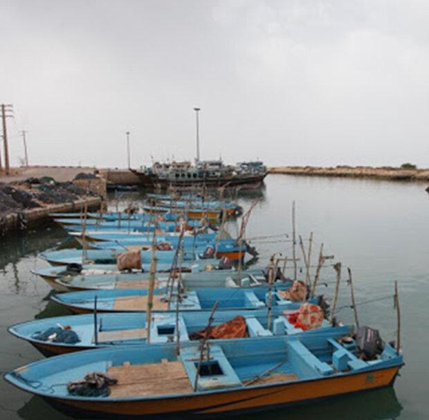 مشکل سوخت قایق صیادان در استان بوشهر برطرف شد