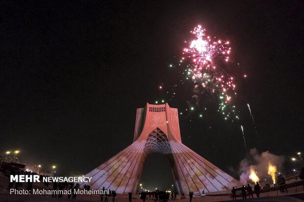 نور افشانی میدان آزادی به مناسبت سالروز پیروزی انقلاب اسلامی