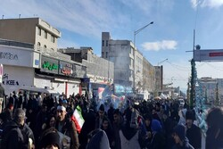 حضور گسترده مردم قبل از آغاز رسمی مراسم راهپیمایی یوم الله ۲۲ بهمن