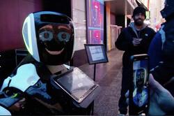 رباتی که ابتلا به کرونا را ردیابی می کند