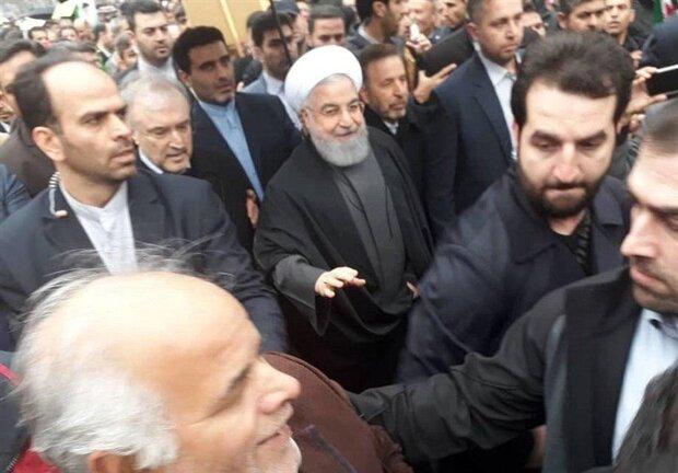 Senior officials join Islamic Revolution anniversary rallies