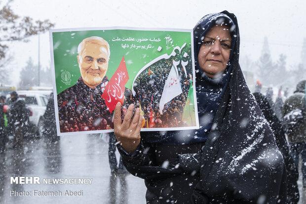 اراک کے عوام کی انقلاب اسلامی کی سالگرہ کی ریلی میں بھر پور شرکت