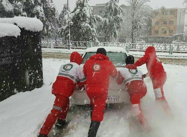۱۳۰۰ نفر در حادثه برف و کولاک مازندران امدارسانی شدند